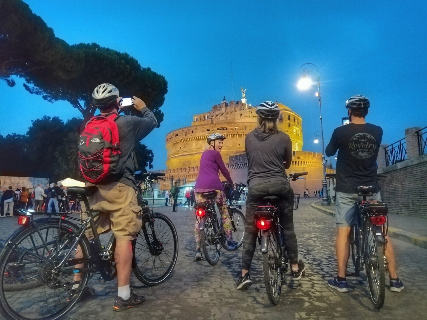 Photographic shooting in Rome by bicycle